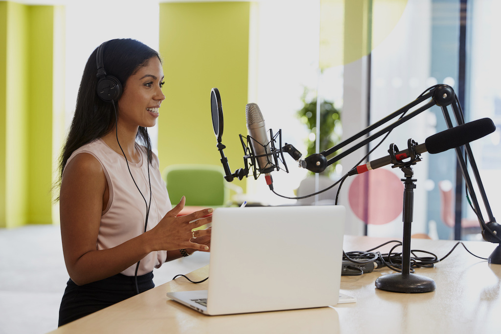 Essential Steps for Becoming an Effective Podcast Host