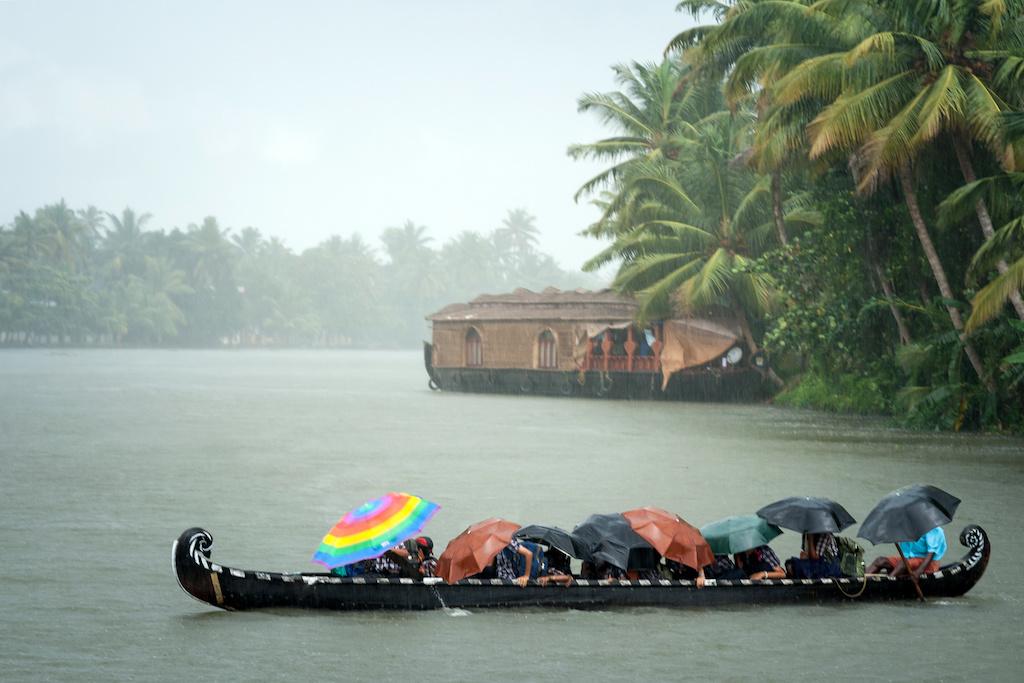 Monsoon flood, mudslide kill 15 in India, disaster team sent