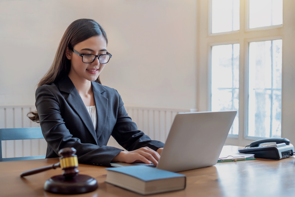 Advice for Seeking a Career as a Legal Administrator