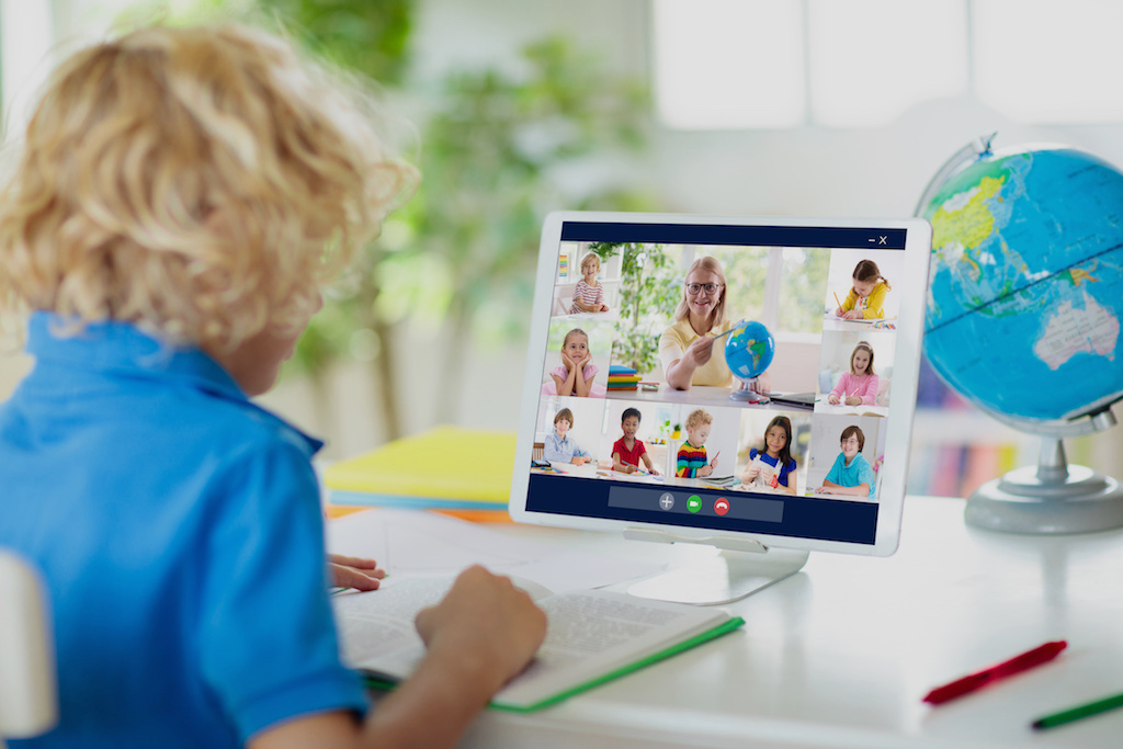 Educational Pods for Kids: A New Spin on an Old Challenge