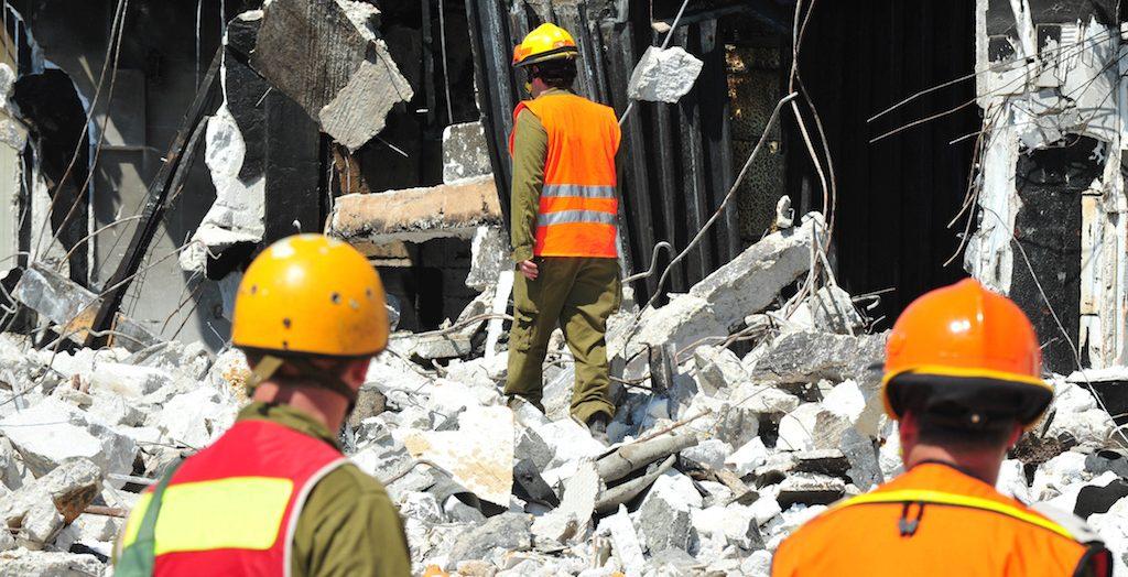 EDM Monday Briefing: Magnitude 6.3 Earthquake Kills Eight in Philippines; Bombings Kill 290 in Sri Lanka