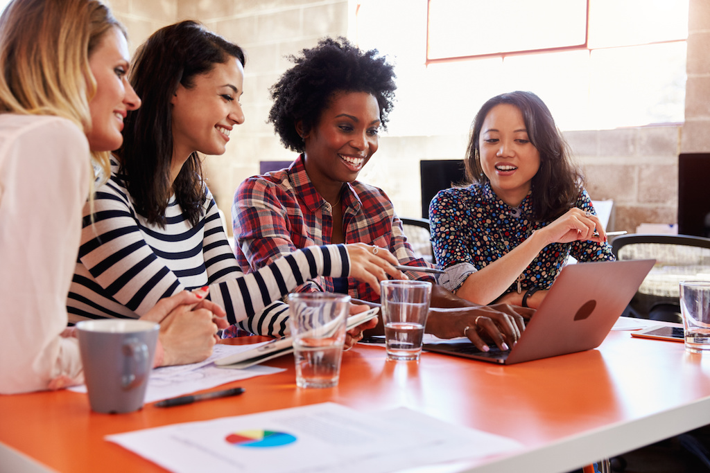 How Women Can Work Together and Succeed in Reaching Goals