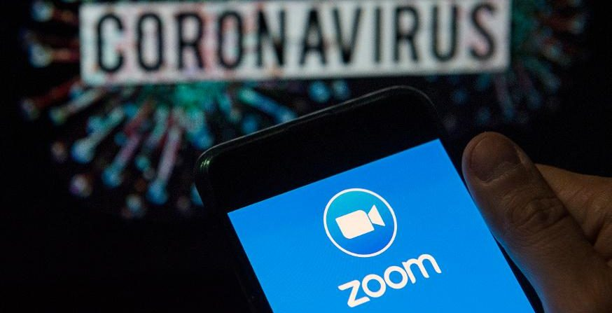 Are Zoom Chats Private? Here's Why You Should Think Before Opening The App