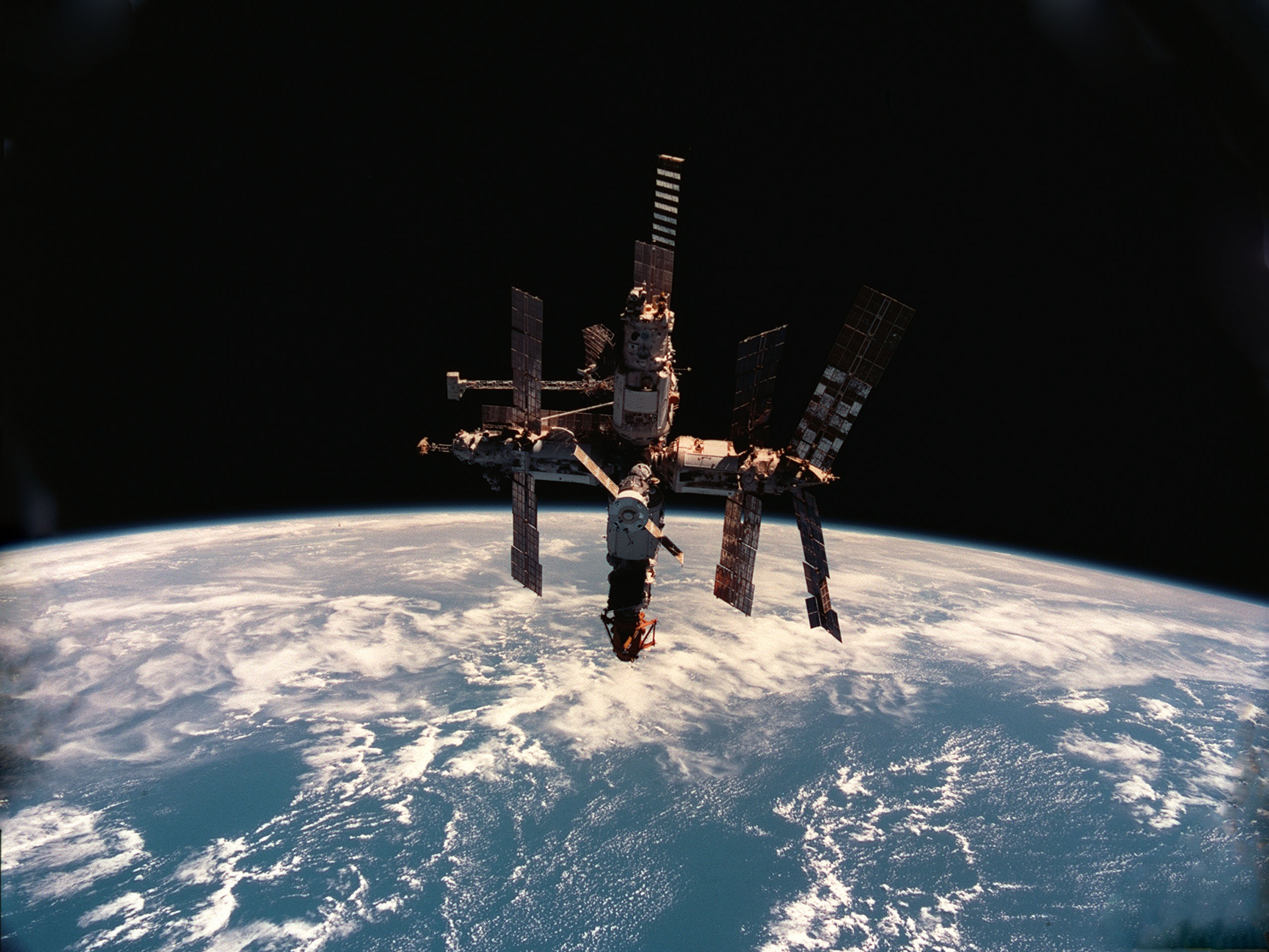 This Week in Space! – February 24, 1997 – Fire Onboard the Mir Space Station