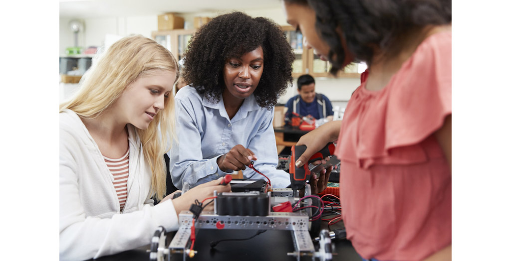 Women in STEM: Encouraging More Females to Pursue STEM Careers