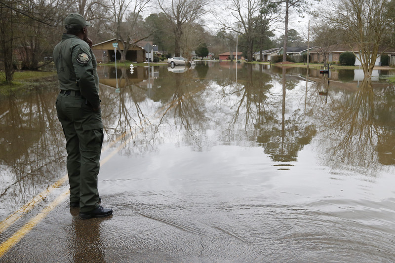 Hundreds Still Without Power as Mississippi Flood Recedes