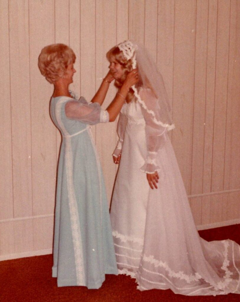 Debbie Williamson with mother on wedding day