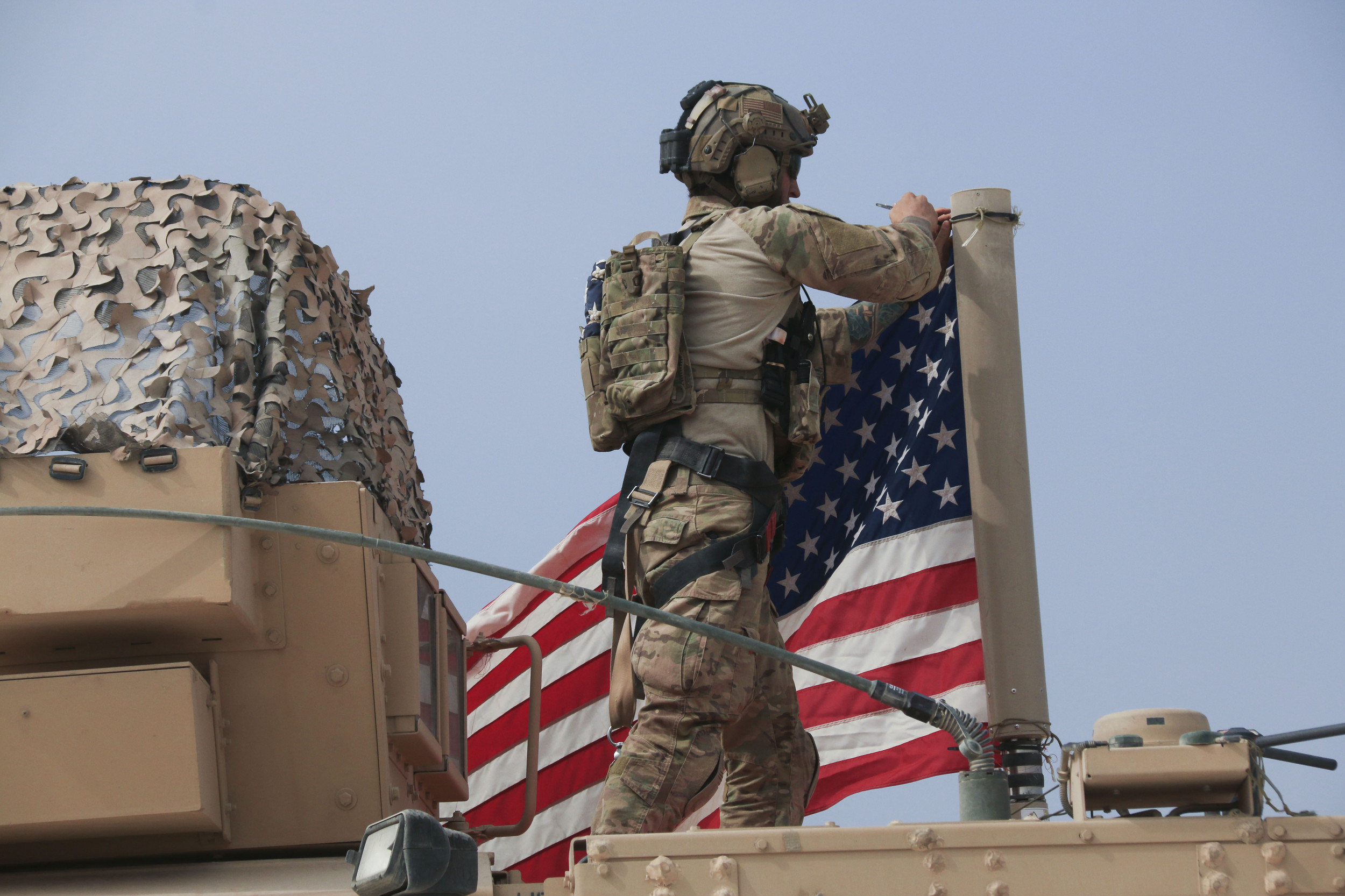 US may now keep some troops in Syria to guard oilfields