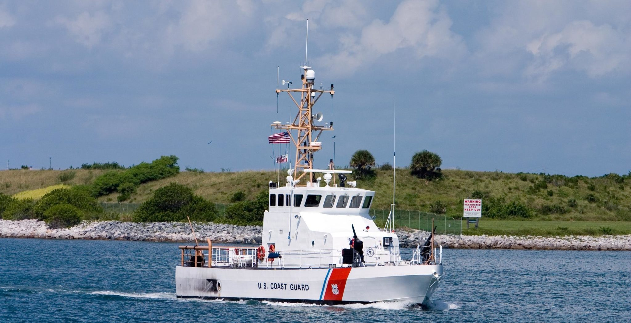 Coast Guard to go without pay if shutdown continues through weekend