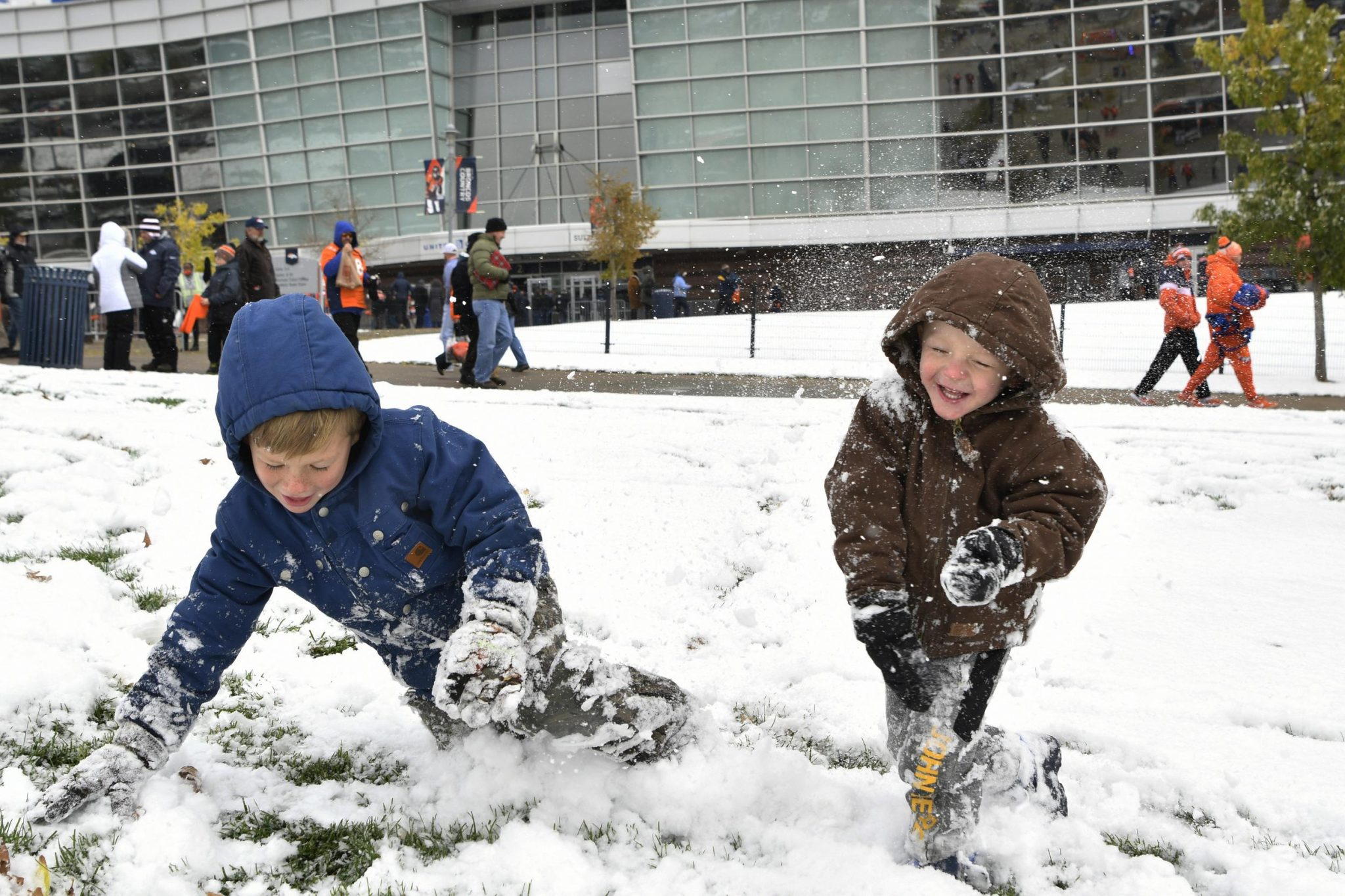 Heavy Snow Blankets Colorado, Wyoming In Early Season Storm