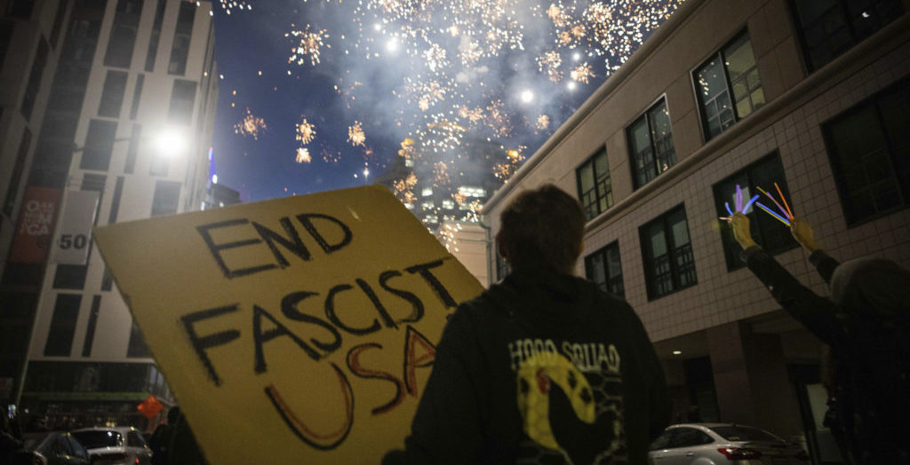 Police and protesters clash in violent weekend across the US
