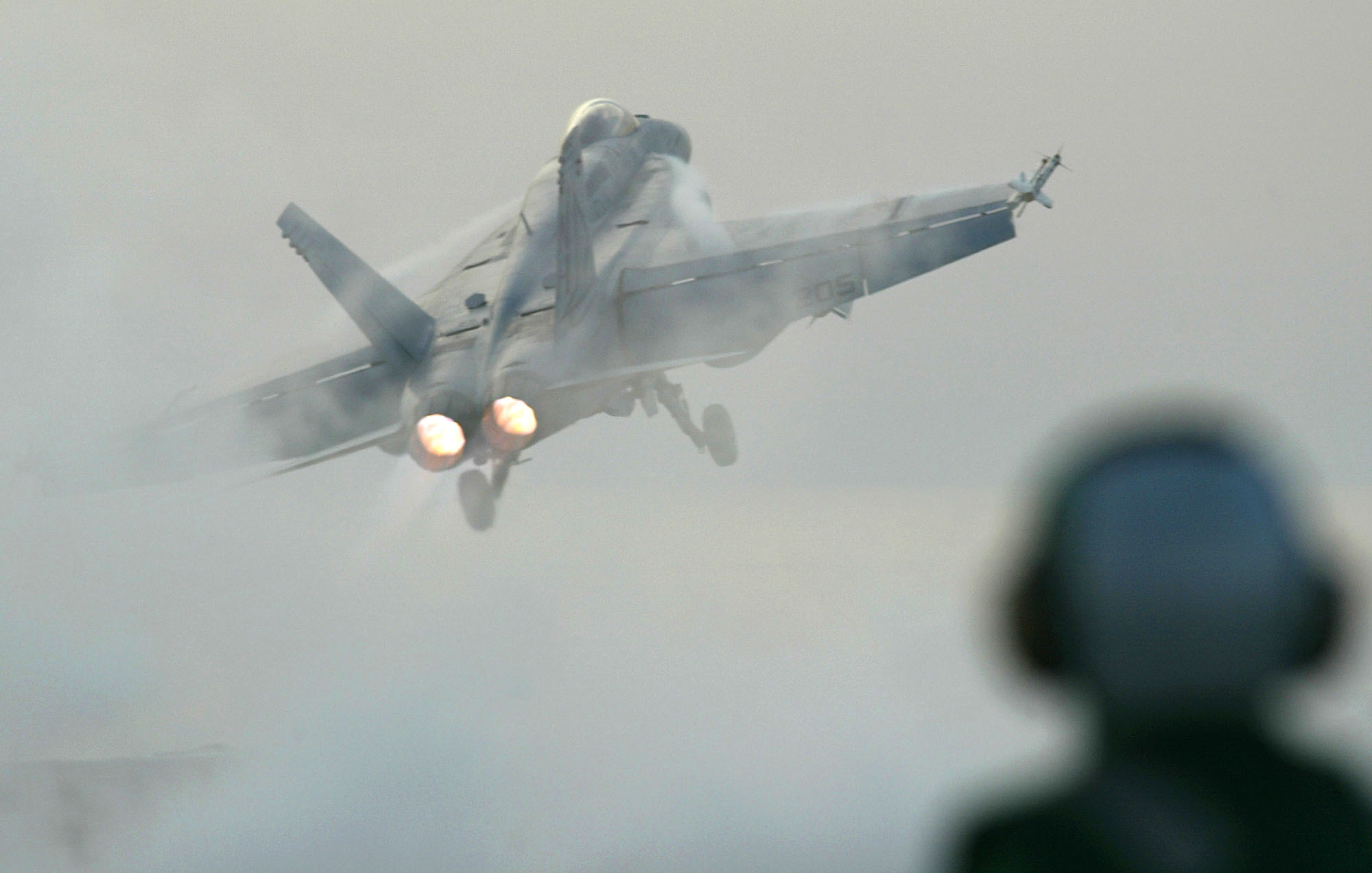Navy jet crashes in California, but pilot ejects safely