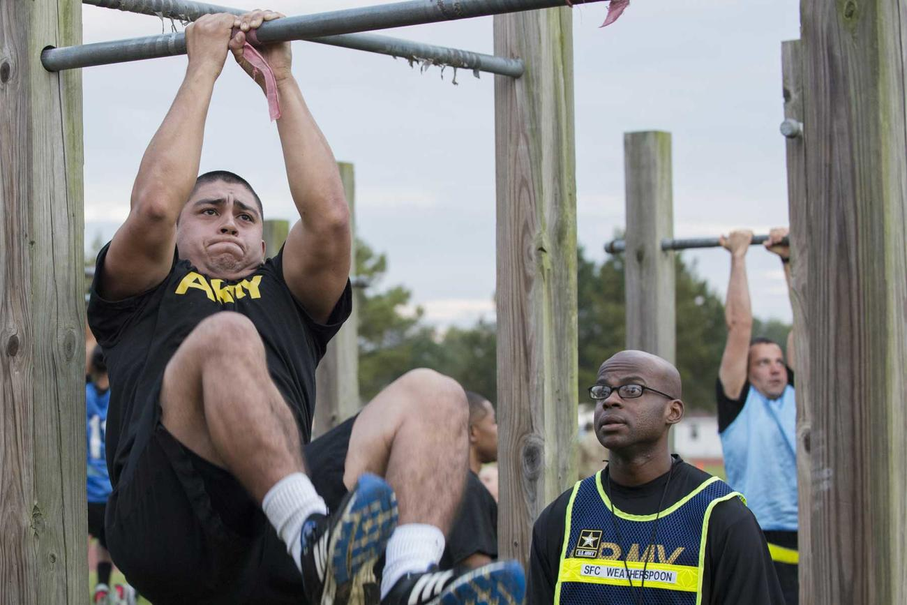 'Soldiers' Careers Depend on It': Senators Want to Halt Army Combat Fitness Test Rollout