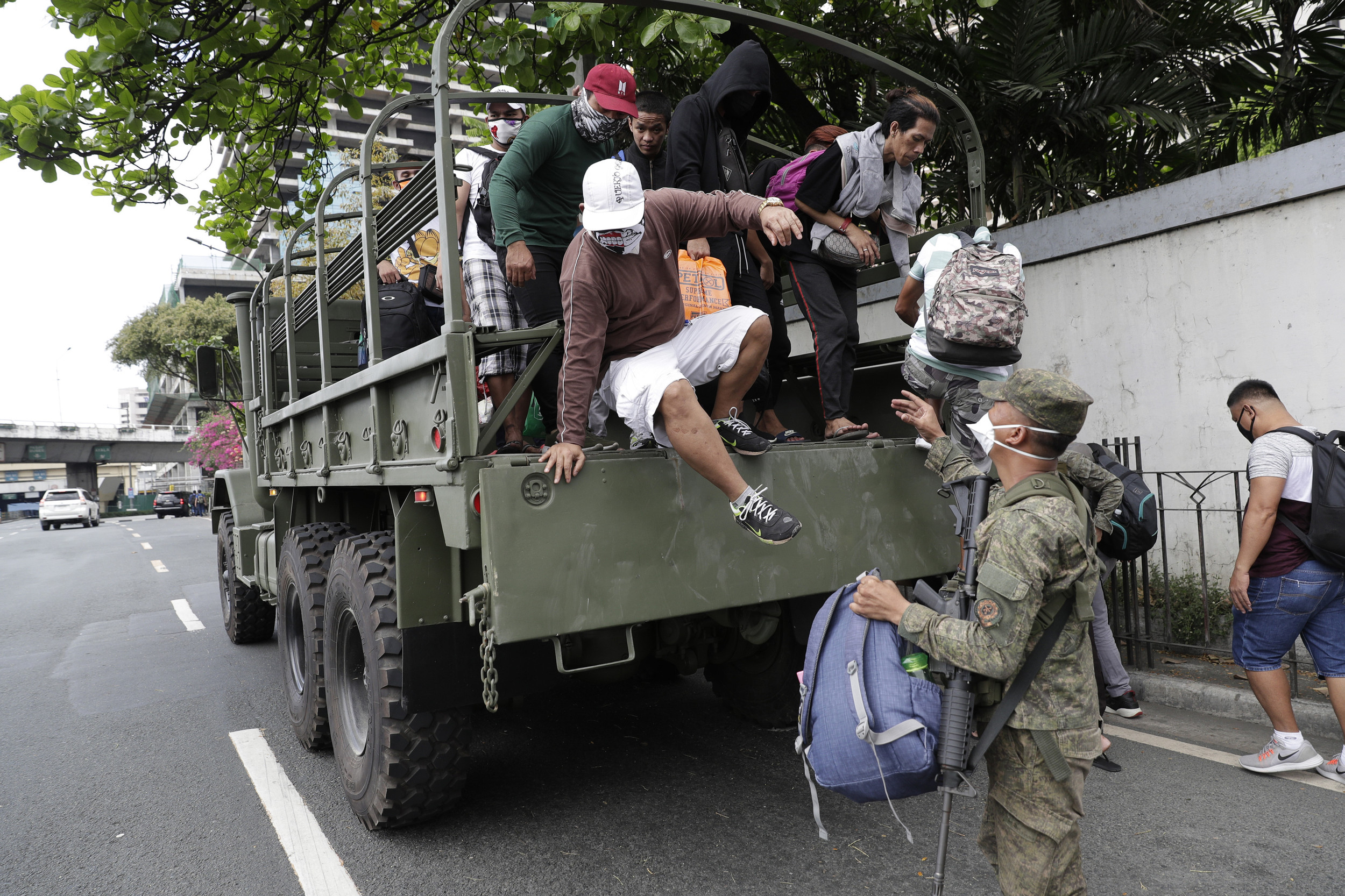 Philippines declares cease-fire with rebels to fight virus