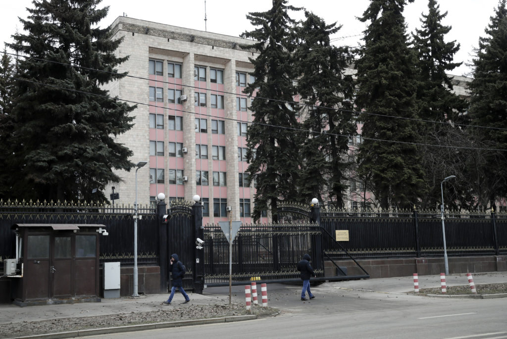 Russia Deports Chinese For Violating Self-Quarantine Rules