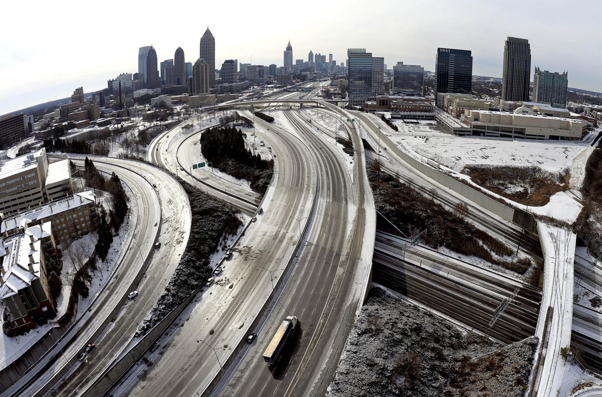 Atlanta Sounds Alarm Over Snow; New England Fans Unfazed