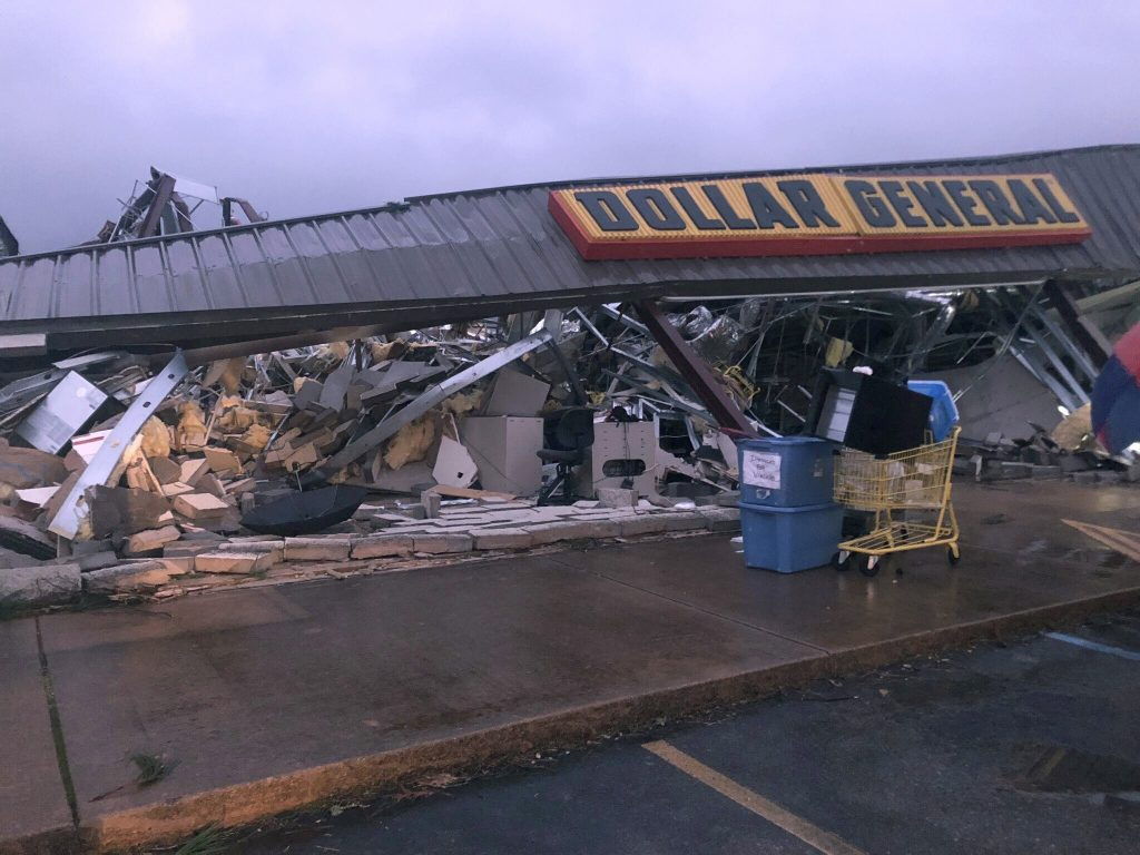 Possible twister: Damage reports at Mississippi-Alabama line